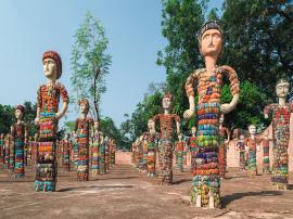 Talking sculptures